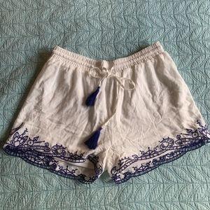 Boho Chic White Shorts with Navy Stitching Size S